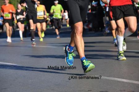 ¿Cuántos kilómetros debo correr a la semana para preparar una media maratón?