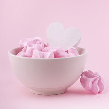 Regala corazones de merengue caseros para este Día del Amor y la Amistad . Receta fácil