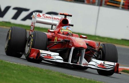 GP Australia F1 2011: Fernando Alonso minimiza daños tras una mala salida
