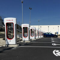 Tesla abre el primer Supercargador V3 en España, capaz de recargar hasta 120 km de autonomía en cinco minutos