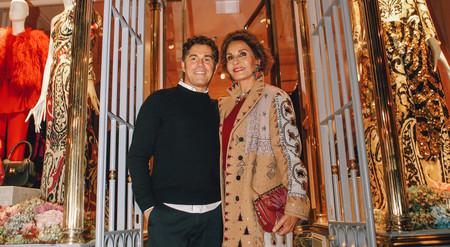 Los looks de noche con zapatillas de Naty Abascal y Sassa de Osma en la inauguración de la nueva tienda de Jorge Vázquez
