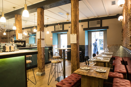 Cantina Singular: un restaurante de aspecto castizo y con aire cosmopolita en Malasaña