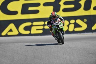 Superbikes Estados Unidos 2013: Tom Sykes se lleva la primera carrera a tres intentos