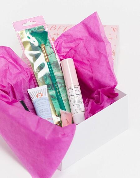 Cinco cajas de belleza exclusivas de Asos con las que sorprender a cualquier amante del maquillaje y del cuidado de la piel