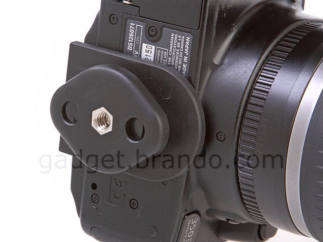 Foto de Brando también apuesta por llevar la réflex a lo pistolero (1/5)
