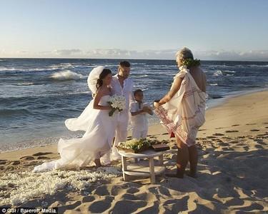 El vestido de novia de Megan Fox en su boda secreta