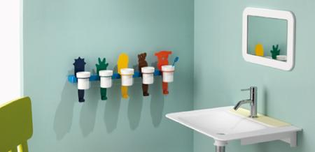 Una buena idea: soportes para vasos de cepillos de dientes de familias numerosas