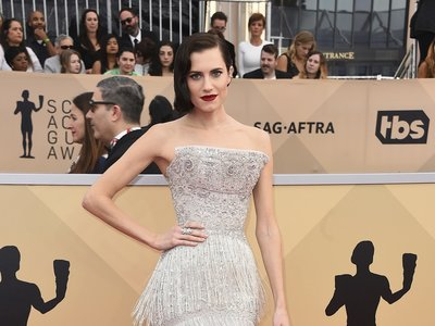 Allison Williams arriesga y gana con su peinado de los SAG 2018