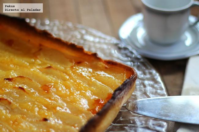 Tarta de peras y crema de limón