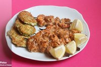 Brochetas de salmón y gambas tandoori. Receta