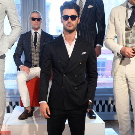 En la New York Fashion Week, los looks a blanco y negro triunfan como tendencia