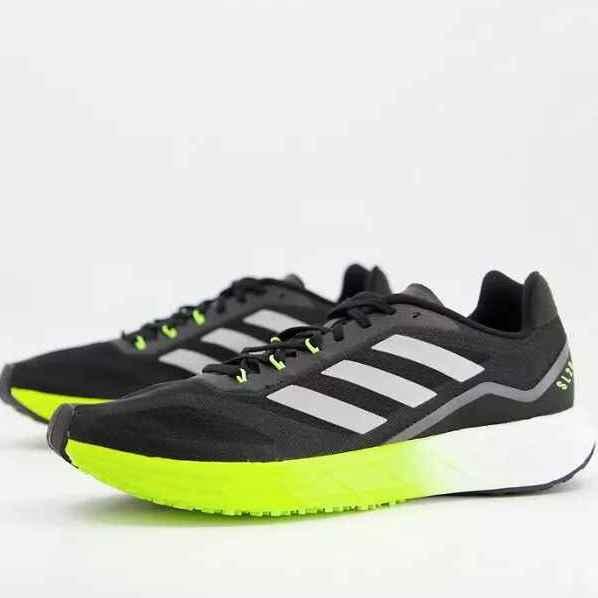 Zapatillas con paneles negros y amarillos para Running SL20 de adidas