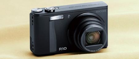 Ricoh R10, compacta, interesante y completa