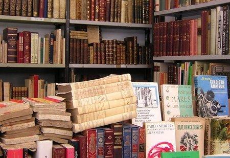 XXXV Feria del Libro Antiguo y de Ocasión en Madrid, a buscar tesoros se ha dicho