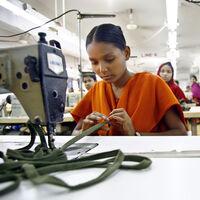 Bangladesh en la ruina: las marcas de ropa dejaron de pagar pedidos milmillonarios que ya habían hecho