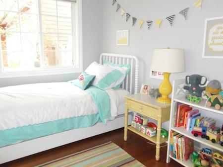 Una habitación infantil llena de luz