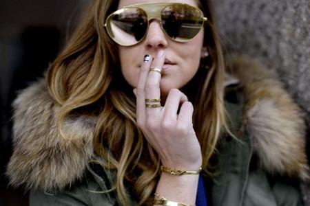 Apuntar en vuestra lista las gafas doradas de Chiara Ferragni, pronto las llevarán todas