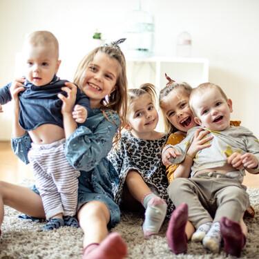 Las familias numerosas critican que el nuevo complemento por maternidad no reconozca a partir del cuarto hijo