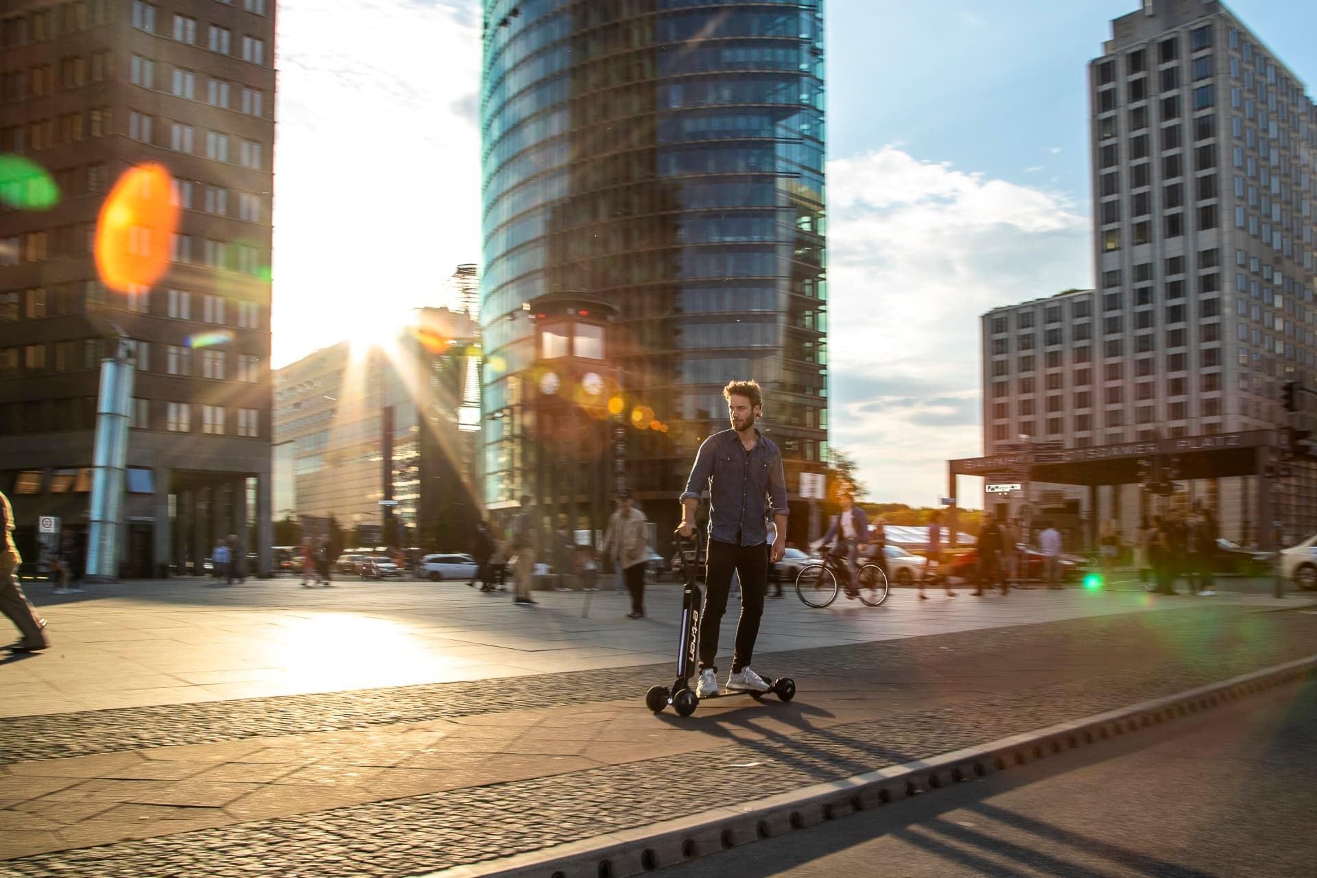 Foto de Audi e-tron Scooter (9/18)