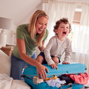 Cómo enseñar a los niños a preparar su equipaje para las vacaciones: siete claves imprescindibles