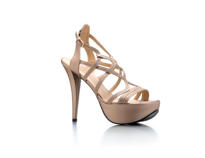 foto de zapatos para ir de boda: tus pies también tiene que vestirse