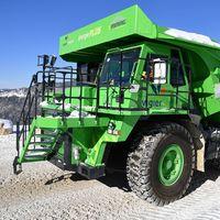 El vehículo eléctrico más grande del mundo es un inmenso camión que regenera energía hasta para alimentar a su empresa