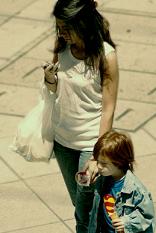 La pobreza infantil más notoria en las familias monoparentales españolas