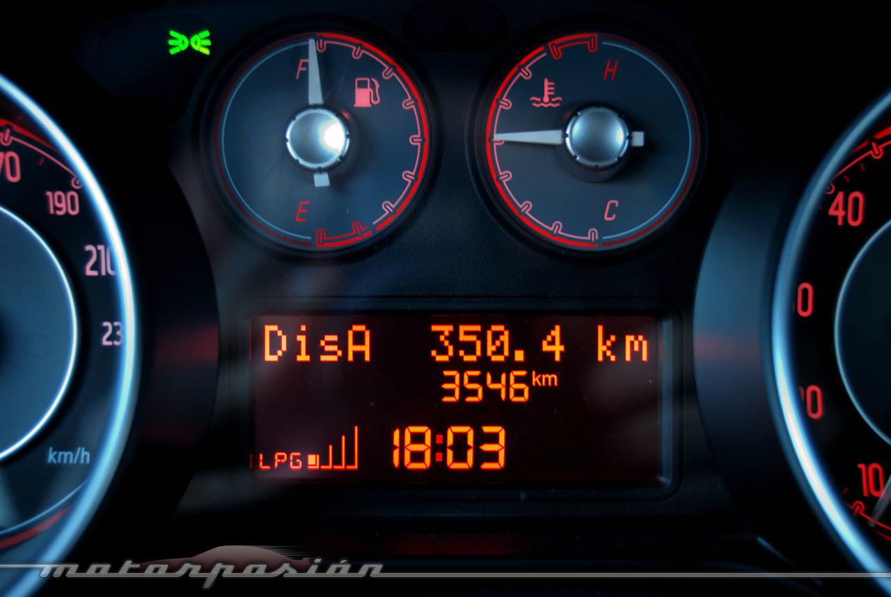 Foto de Fiat Punto 1.4 GLP (prueba) (25/70)