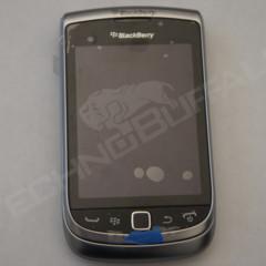 Foto 1 de 22 de la galería blackberry-torch-2-9810-mas-imagenes-del-nuevo-hibrido-de-rim en Xataka Móvil