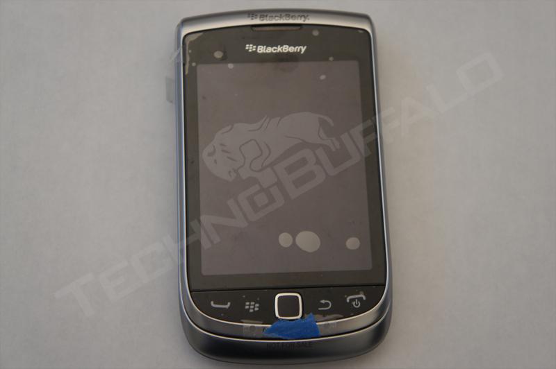 Foto de BlackBerry Torch 2 9810, más imágenes del nuevo híbrido de RIM (1/22)