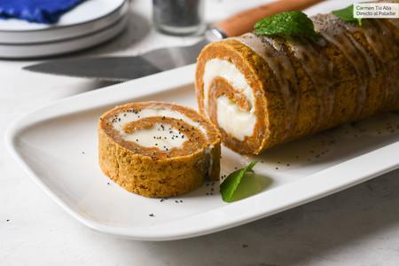 Carrot cake roll, la receta de tarta de zanahoria enrollada que querrás hacer una y otra vez