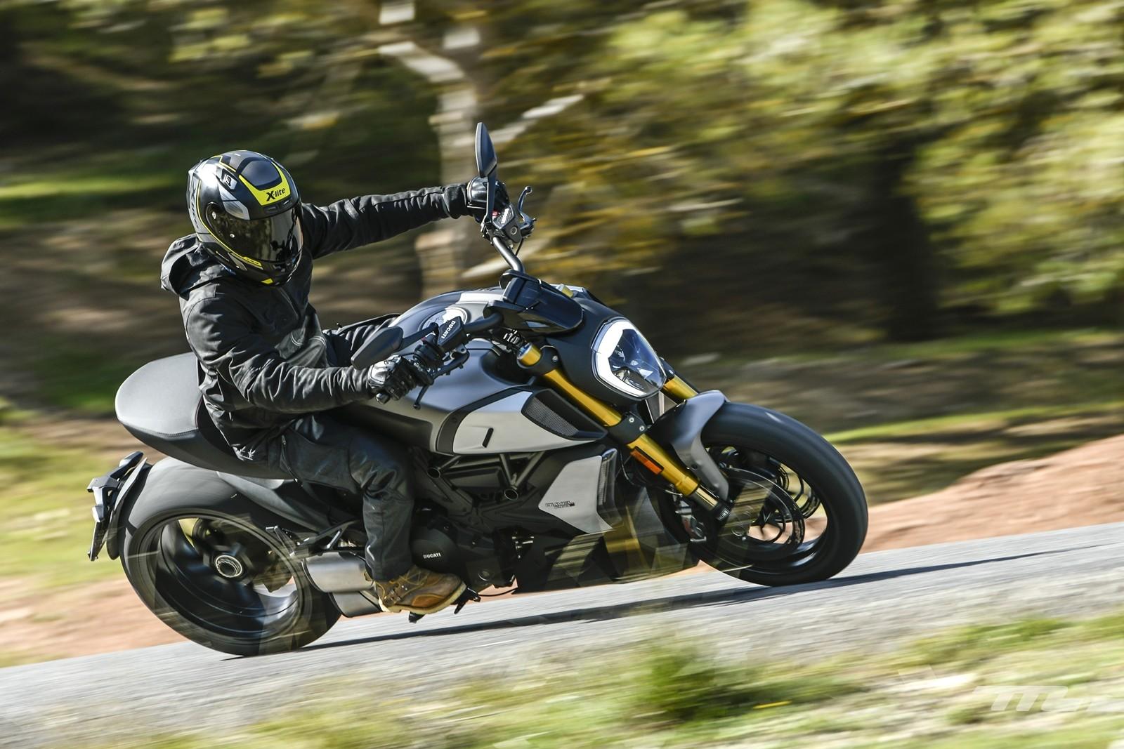 Foto de Ducati Diavel 1260 S 2019, prueba (55/59)