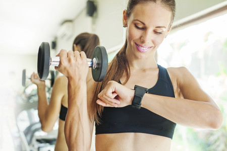 ¿Es mejor entrenar media hora todos los días o darte una buena paliza dos días a la semana?