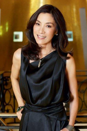 Michelle Yeoh es la nueva embajadora de Guerlain