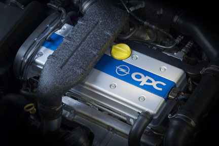 Opel Zafira OPC - Motor