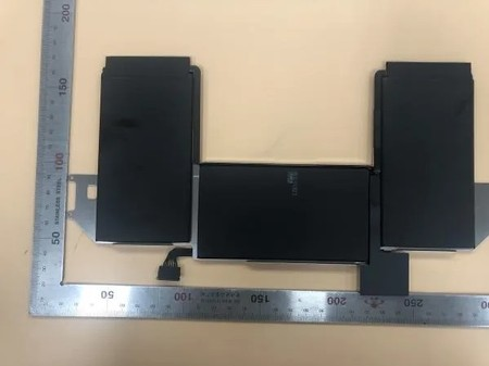 Aparecen fotos de la supuesta batería del próximo MacBook Air