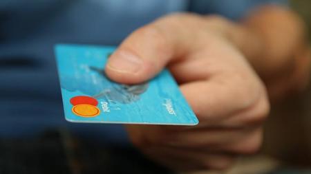 Casi un 40% de los clientes del comercio online utilizar tarjetas monedero o prepago
