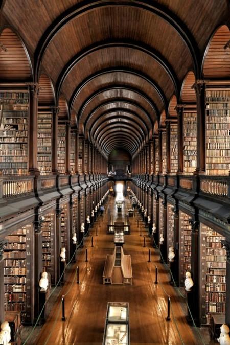 Biblioteca del Trinity College (Dublín, Irlanda)