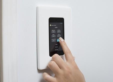 HIO Wallpad, el dispositivo para controlar nuestro hogar que busca financiación en Kickstarter
