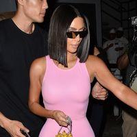 Así sí que es fácil ir de compras: Kim Kardashian ha contratado modelos con sus medidas para que se pruebe la ropa