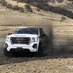 Manejamos la GMC Sierra 2019: la cara bonita de un V8 sin miedo al trato rudo