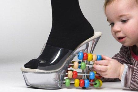 crazy-shoes-marjolein-stormezand.jpg