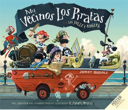 'Mis vecinos los piratas': un libro infantil sobre un familia no tan normal que lleva la alegría a un pequeño (y soso) pueblo