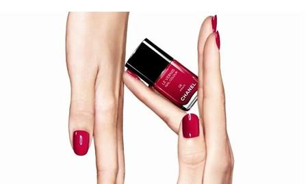 Chanel relanza sus esmaltes más icónicos a ritmo de New Order. Así es la colección Couleurs Culte