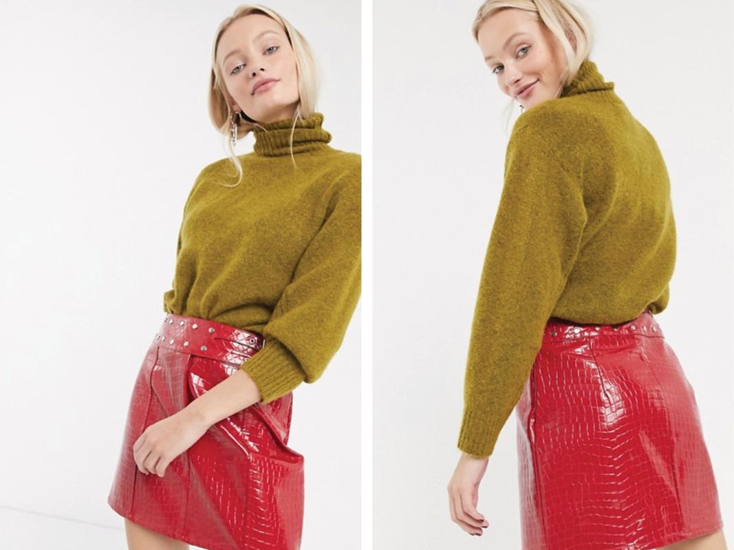 Minifalda de efecto cuero estilo cocodrilo con cinturón de tachuelas de ASOS DESIGN