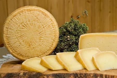 Seis quesos italianos menos conocidos que deberías conocer