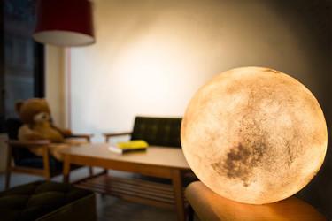 Superluna en tu casa todos los días del año con estas bonitas lámparas