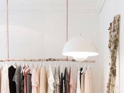 ¿Armarios o ropa a la vista? 5 ejemplos de cómo exhibir el vestuario