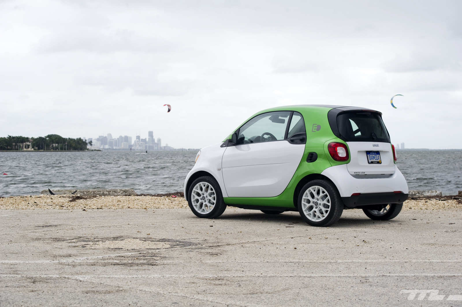 Foto de smart fortwo Electric Drive, toma de contacto (7/313)