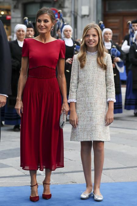 Dona Letizia Y La Infanta Sofia